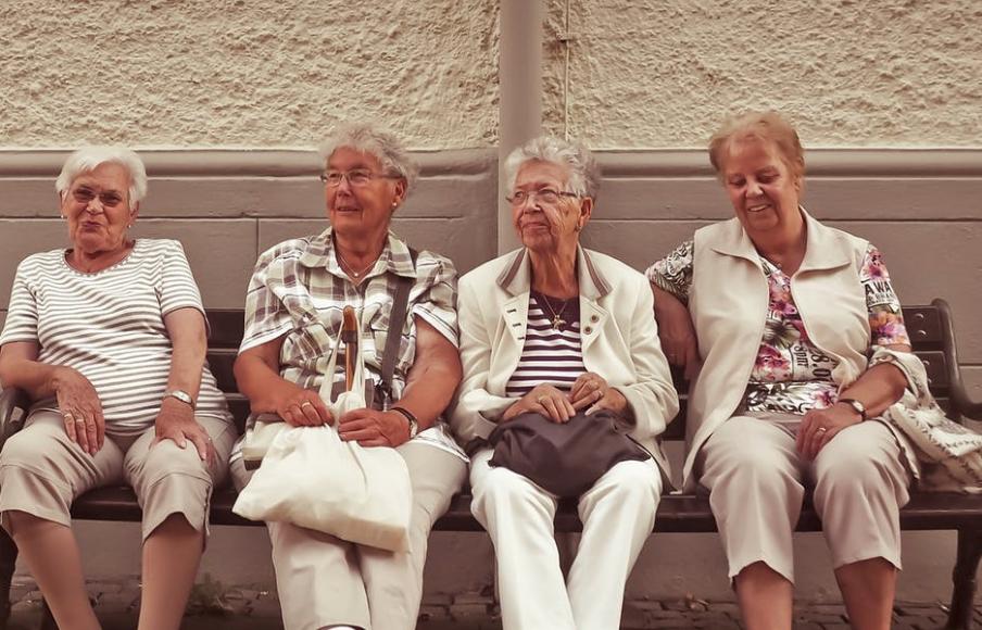 Ältere Menschen Beispielsbild Pexels CCO