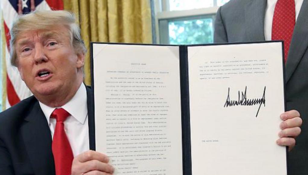 Trump unterzeichnet EO um illegale Einwanderer-Familien zusammenzuhalten Foto Youtube