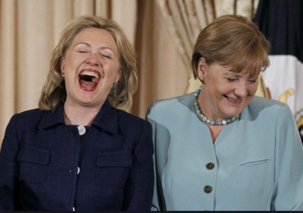 Zwei Freundinnnen - Hillary Clinton und Angela Merkel