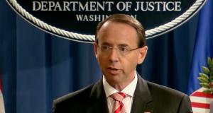 Rod Rosenstein verkündet die Anklage gegen angebliche russische Hacker