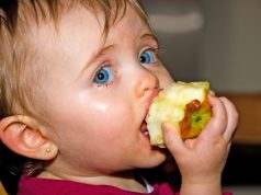 Foto: Alexandre Normand Baby eating Apple