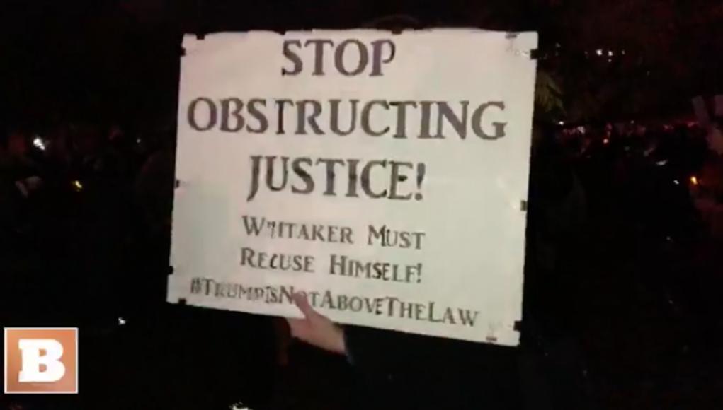 Hör auf, die Justiz zu behindern. Whitaker muss sich für befangen erklären. Trump steht nicht über dem Gesetz.