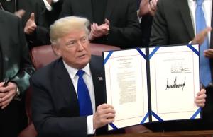 Donald Trump Gesetz um religiösen Minderzeiten im Irak und Syrien beizustehen