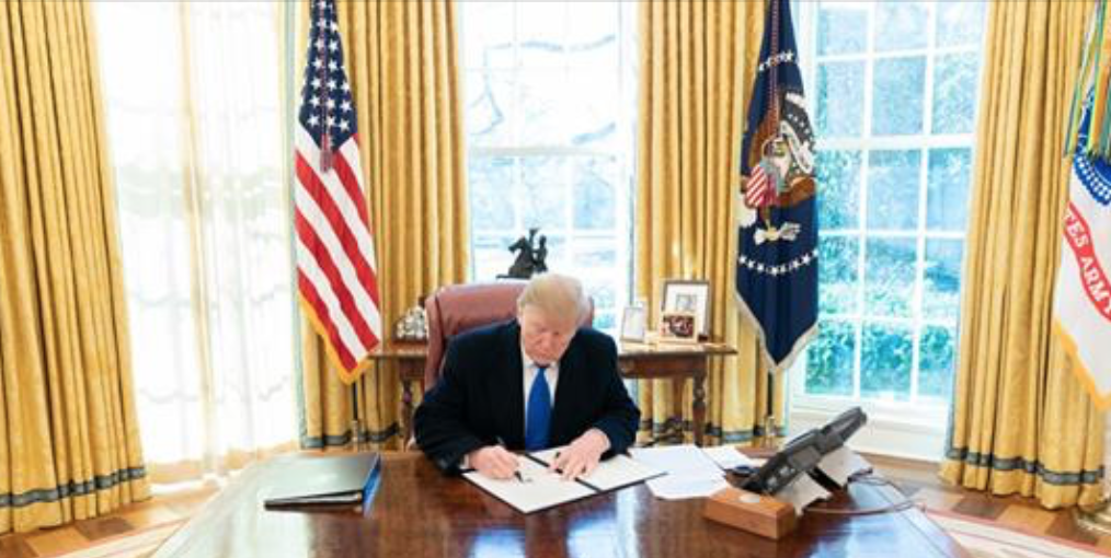Präsident Donald Trump in Oval Office