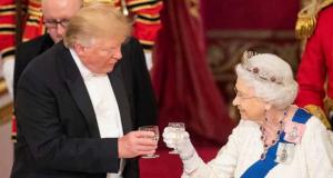 Trump und Queen Elizabeth prosten sich zu